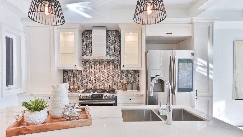 adding texture in kitchen design